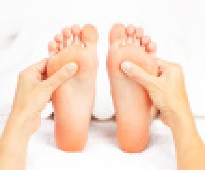 stock-photo-17898481-foot-massage